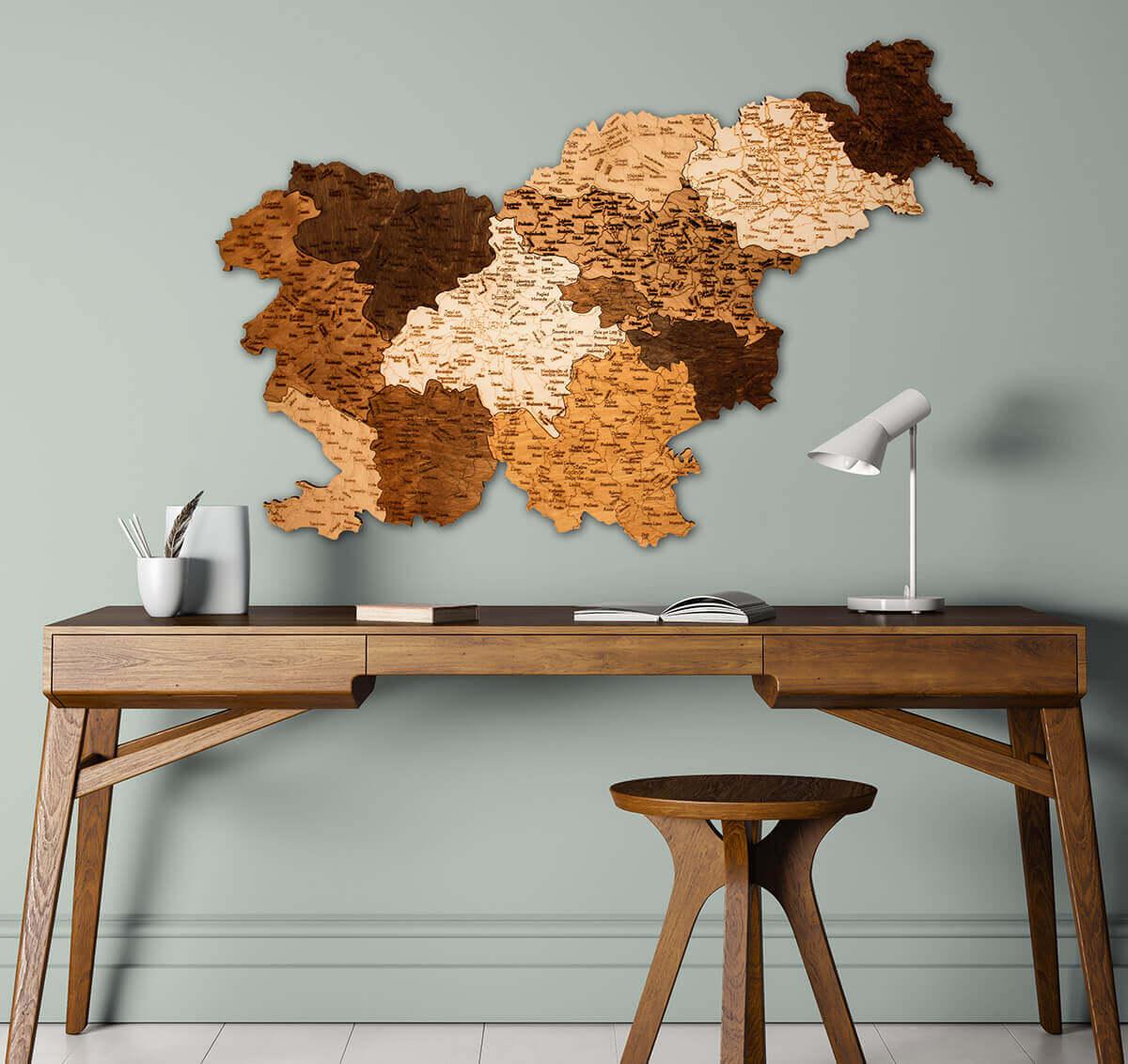 Carte de la Slovénie en bois